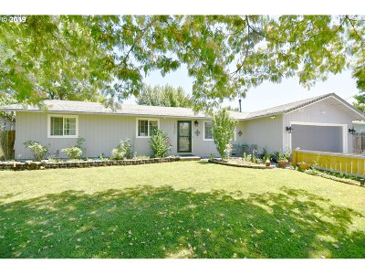 Medford Single Family Home For Sale: 1520 Corona Ave