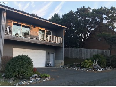 Gold Beach OR Single Family Home For Sale: $410,000