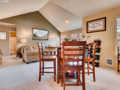 Wilsonville Condo/Townhouse For Sale: 8645 SW Curry Dr #C