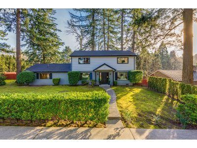 Lake Oswego Single Family Home For Sale: 1604 Campus Way