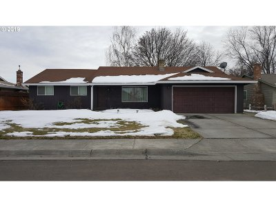 Hermiston Single Family Home For Sale: 825 W Division Ave