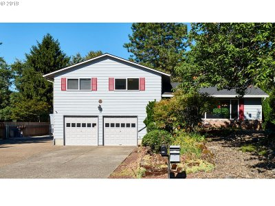 Oregon City Single Family Home For Sale: 16625 S Pam Dr