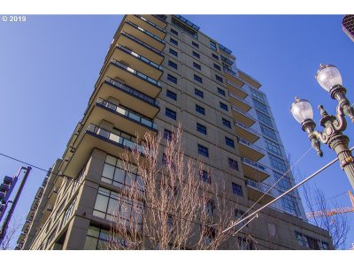 Condo/Townhouse For Sale: 1025 NW Couch St #914