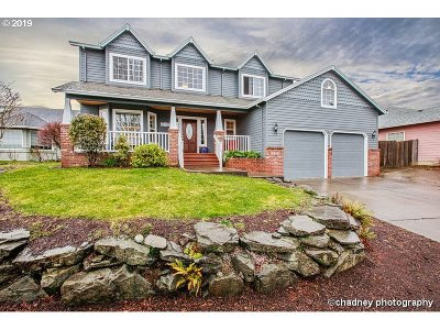 Multnomah County Single Family Home For Sale: 5515 SE Woodland Dr