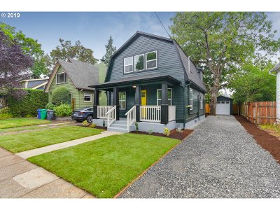 Portland Single Family Home For Sale: 4229 SE 64th Ave