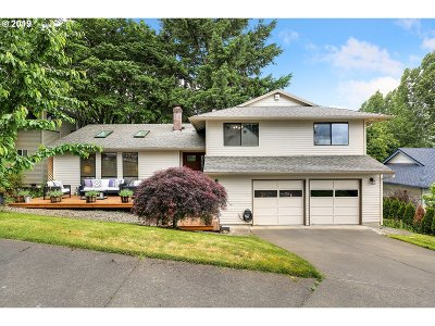 Beaverton Single Family Home For Sale: 7565 SW 195th Pl