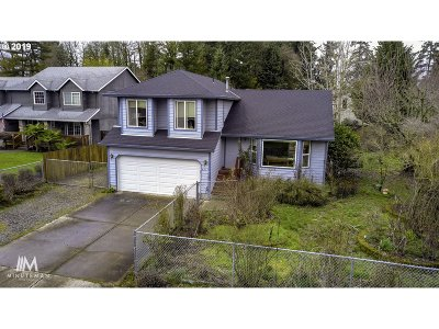 Milwaukie Single Family Home For Sale: 4213 SE Hill Rd