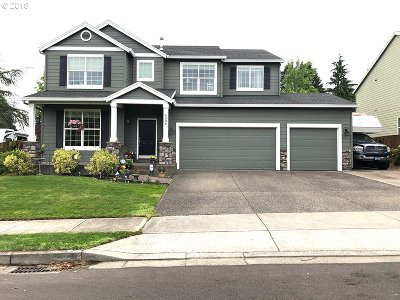 Troutdale Single Family Home Bumpable Buyer: 4384 SE Viewpoint Dr