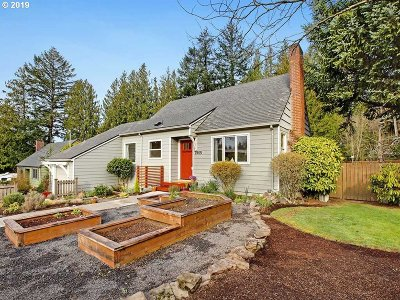 Portland Single Family Home For Sale: 7905 SW Canyon Ln
