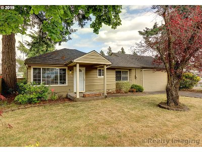 Portland Single Family Home For Sale: 2256 SE 130th Ave