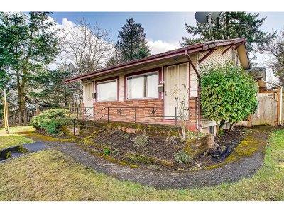 Clackamas County, Multnomah County, Washington County Multi Family Home For Sale: 7212 NE Halsey St