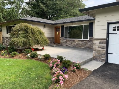 Happy Valley, Clackamas Single Family Home For Sale: 13520 SE King Rd