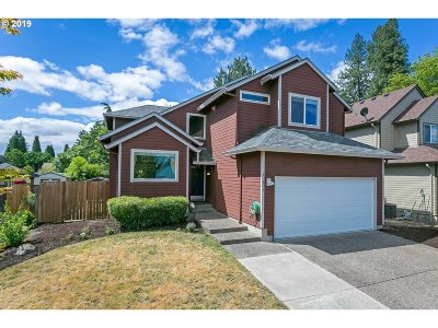 Tigard Single Family Home For Sale: 10602 SW Windsor Pl