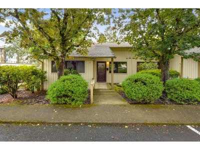 Newberg, Dundee, Lafayette Condo/Townhouse For Sale: 1100 N Meridian St #36