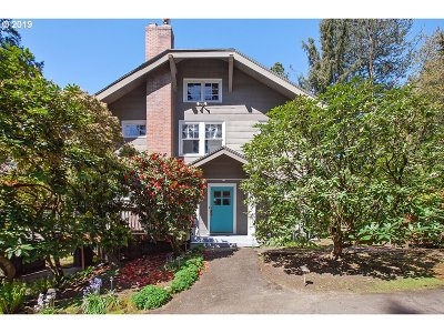 Portland Single Family Home For Sale: 2002 SW Dolph Ct