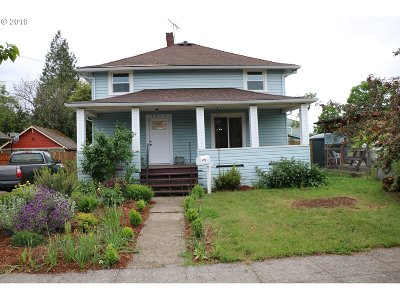 Portland Single Family Home For Sale: 3519 SE 62nd Ave