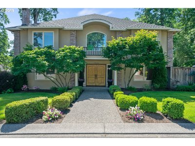 Lake Oswego Single Family Home For Sale: 14066 Edenberry Dr