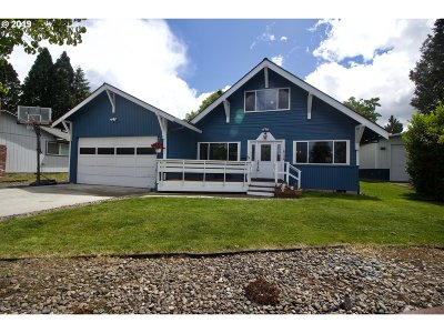 Beaverton Single Family Home For Sale: 18730 SW Cascadia Ct