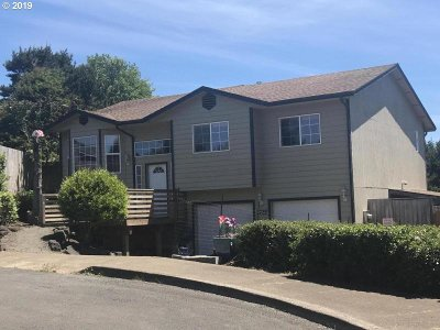 Single Family Home For Sale: 3728 SE 37th Ct