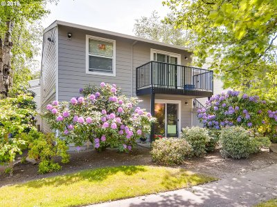 Beaverton Condo/Townhouse For Sale: 5482 SW Alger Ave #F1