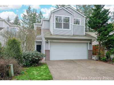 Portland Single Family Home For Sale: 15770 SW Cherrywood Ln