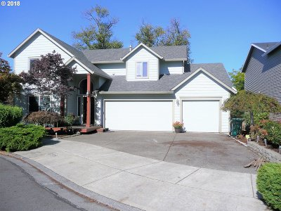 Gresham Single Family Home For Sale: 3049 SW 32nd Ter