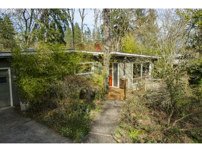 Eugene Single Family Home For Sale: 255 W 38th Ave