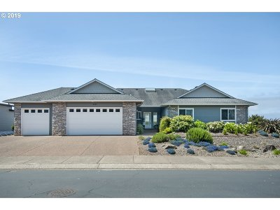 Lincoln City Single Family Home For Sale: 4567 NW Pacific Ct