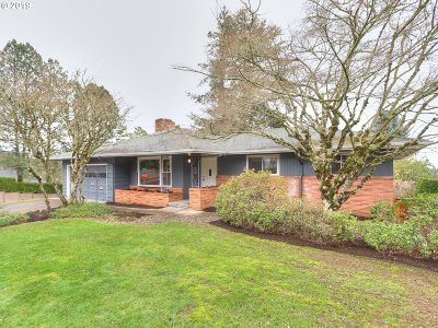 Portland Single Family Home For Sale: 11960 NW Marshall St