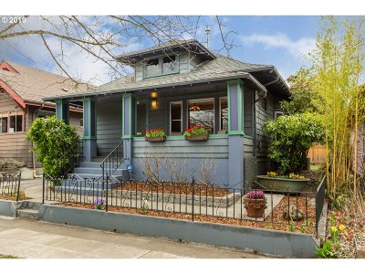 Portland Single Family Home For Sale: 1835 SE 37th Ave
