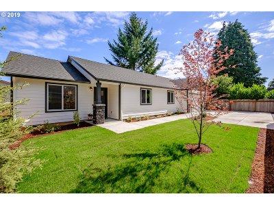 Salem Single Family Home For Sale: 1087 Baxter Rd