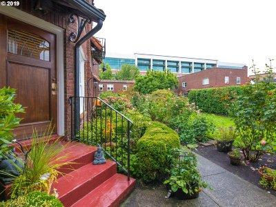 Portland Condo/Townhouse For Sale: 4353 NE Halsey St #4