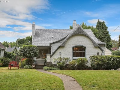 Portland Single Family Home For Sale: 7531 SE Reed College Pl