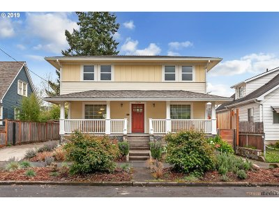 Portland Single Family Home For Sale: 7924 SE 16th Ave