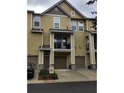 West Linn Condo/Townhouse For Sale: 2230 Snowberry Ridge Ct