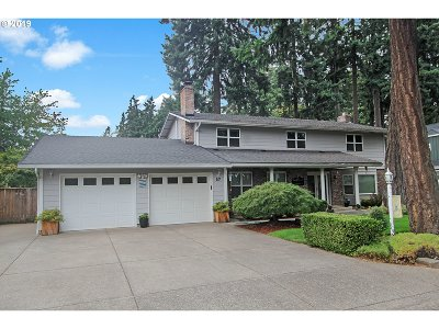 Eugene Single Family Home For Sale: 57 Carthage Ave