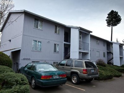 Tigard Condo/Townhouse For Sale: 10010 SW Hall Blvd #1