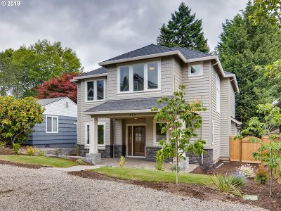 Lake Oswego Single Family Home For Sale: 419 7th St
