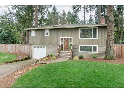 Lake Oswego OR Single Family Home For Sale: $520,000