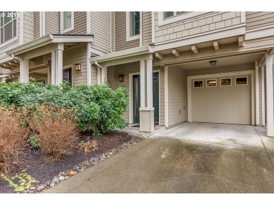 Washington County Condo/Townhouse For Sale: 2129 NE 50th Way