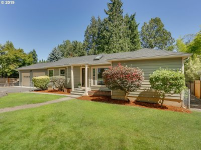Tigard Single Family Home For Sale: 12800 SW Walnut (Side Street) St