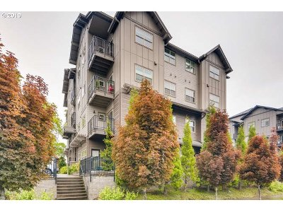 Beaverton Condo/Townhouse For Sale: 13875 SW Meridian St #220