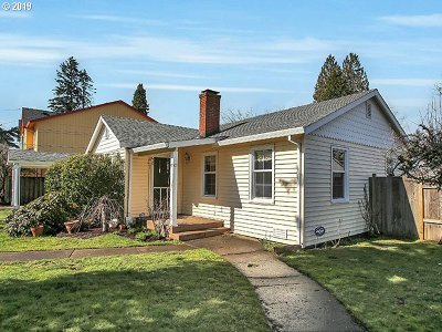 Hillsboro Single Family Home For Sale: 471 NE Edison St