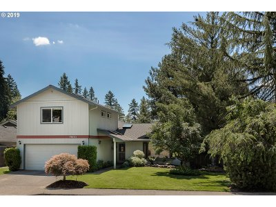 Tigard Single Family Home For Sale: 9800 SW Riverwood Ln