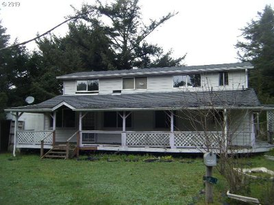 Gold Beach Single Family Home For Sale: 94613 Grange Rd