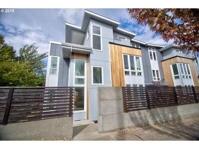 Portland Single Family Home For Sale: 3255 NE Prescott St