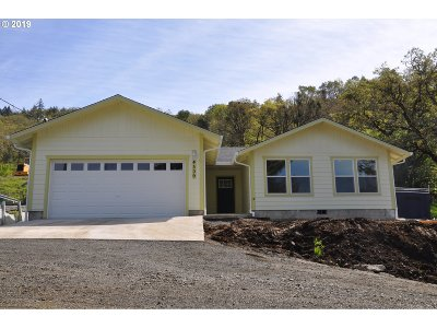Roseburg Single Family Home For Sale: 4509 Ridenour St