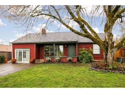 Single Family Home For Sale: 1845 Monroe St