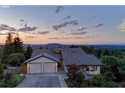 Multnomah County Single Family Home For Sale: 7815 SE 119th Dr