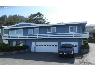Gold Beach Single Family Home For Sale: 29811 Turner St
